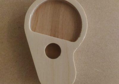 oreja en madera