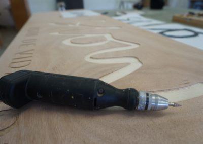 Rótulo en madera